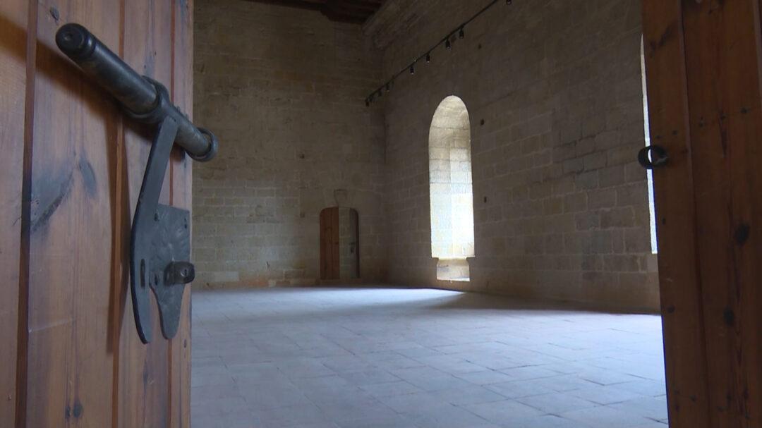 Les sales nobles, amb nova il·luminació, albergaran una exposició de pintors espanyols. S'ha guanyat la sala que hi havia sobre la bodega.