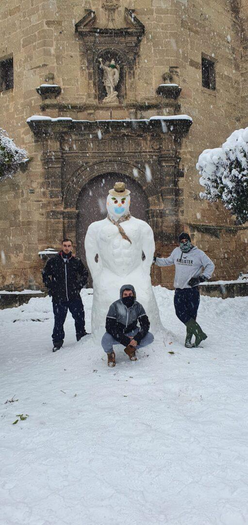 Fondespatla - Adrian, Jorge y Angel han realizado un muñeco Fotos Luis_Serrat